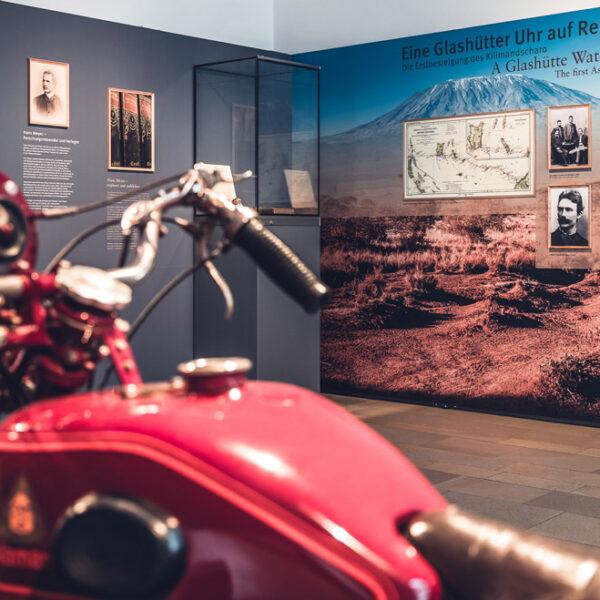 Ausstellung Eine Glashuetter Uhr auf Reisen 2