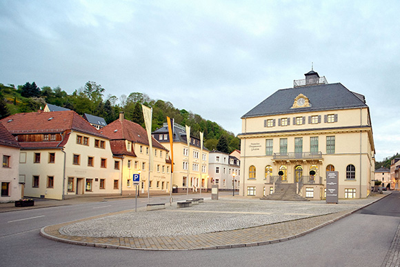 Museum mit Vorplatz